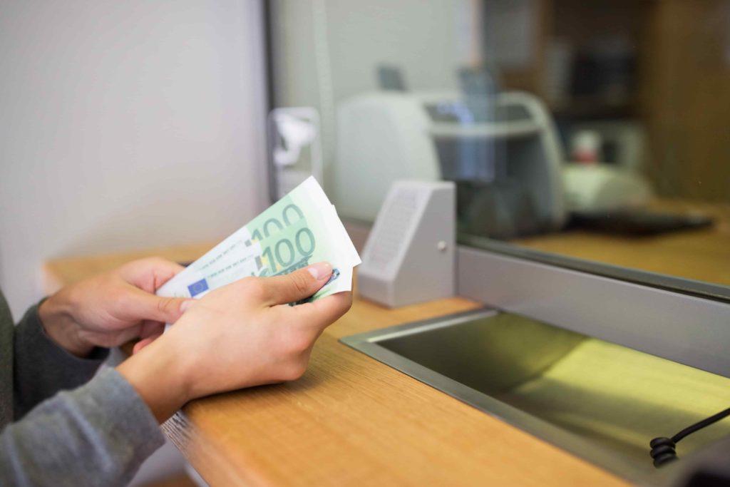 взять быстрый кредит наличными в Эстонии
