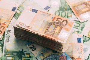 денежный вклад в сберегательно-кредитные ассоциации