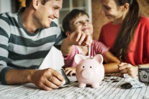 откладывать деньги всей семьей